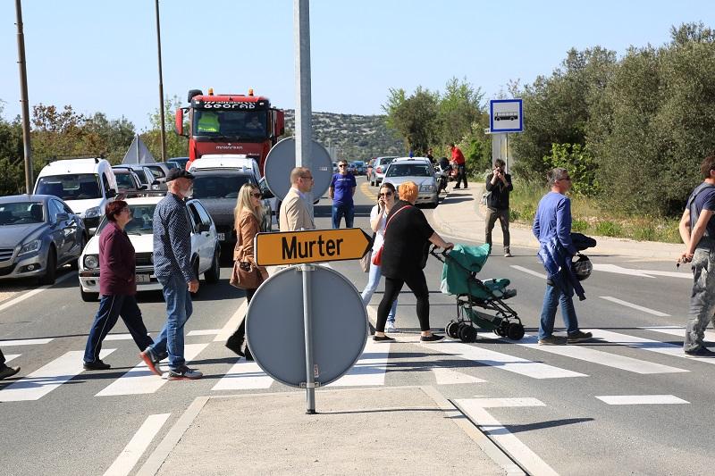 Kapela - prosvjed zbog ukidanja hitne pomoći u Tisnom (Foto H. Pavić) (11)