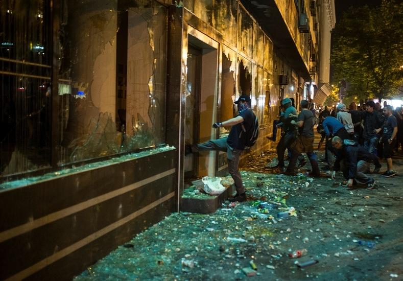 Neredi u Makedoniji - foto MKD (2)