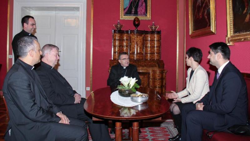 Susret u Nadbiskupskom dvoru (foto: Tiskovni ured Zagrebačke nadbiskupije)