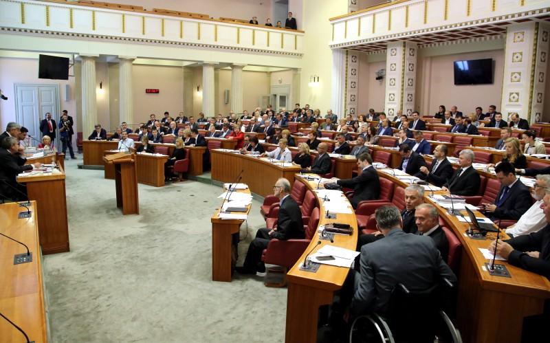 Sabor raspušten sa 137 glasova