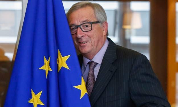 Juncker s obrazom na  i EU-stijegu (foto EU/HINA)