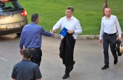 Plenković u Šibeniku: Prioritet je povjerenje članova HDZ-a, a potom ćemo o koalicijama