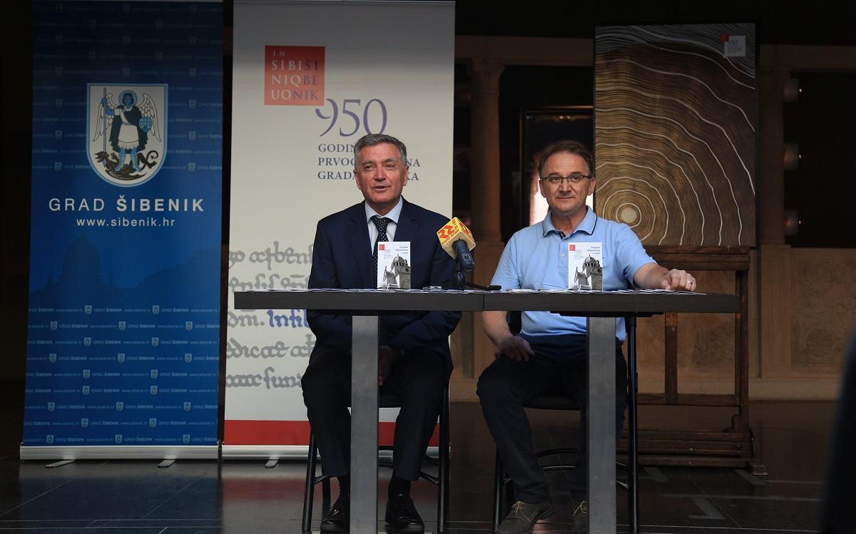 Gradonačelnik dr- Željko Burić i predsjednik Gradskog vijeća Ivica Poljičak (Foto:  Tris/ H. Pavić)