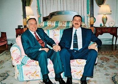 Tata Aliyev i sin Aliyev (foto Wikipedia)