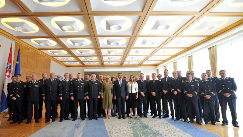Predsjednica RH u žutim cipelama (foto Predsjednica.rh)
