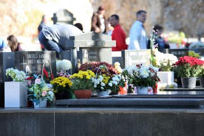 Svi sveti na gradskom groblju Kvanj (Foto: Tris/H. Pavić)