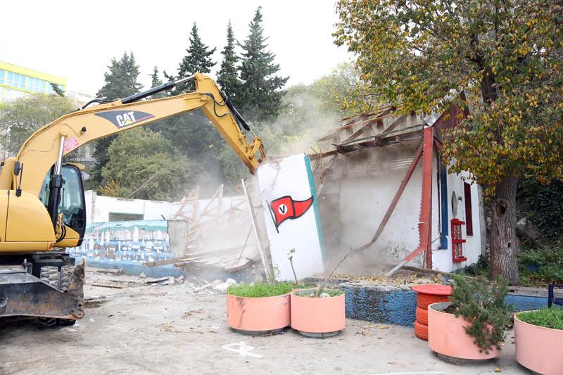 Nedavno rušenje stare Valove barake (Foto: Jozica Krnić)