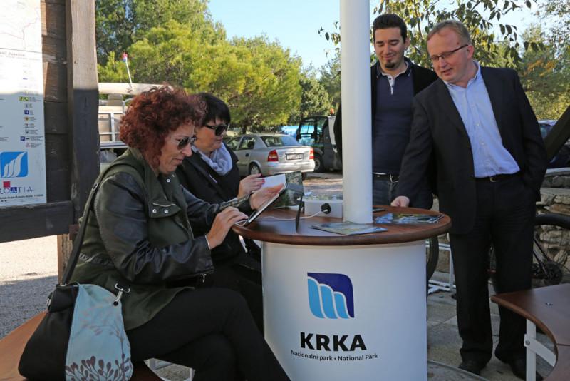 "U NP Krka niknula ""solarna stabla"""