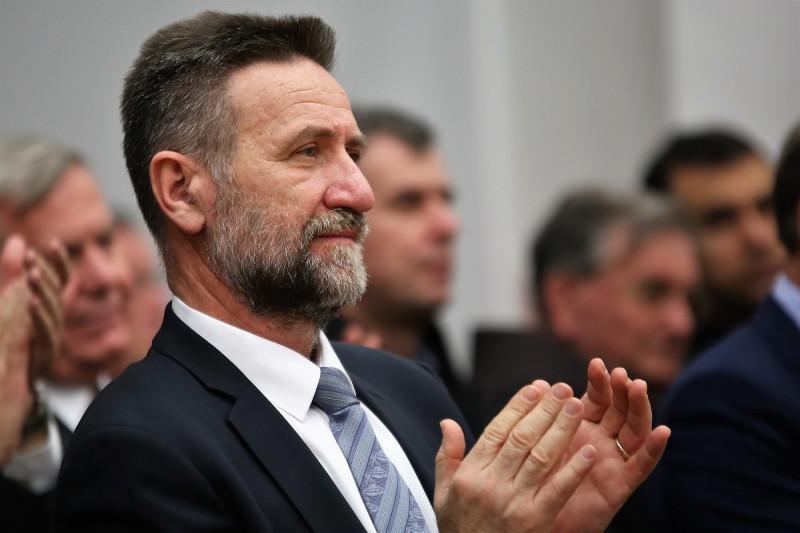 Ministar Pavo Barišić spašen u Saboru