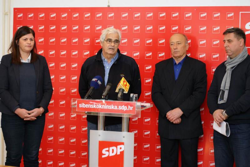 SDP-ovci danas pred novinarima (Foto: Jozica Krnić)