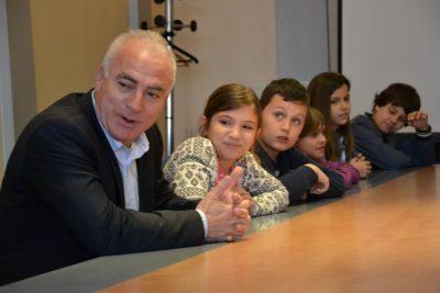 Župan i dječica (foto: Šibensko-kninska županija)