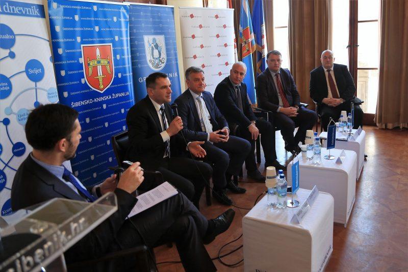 Župan Posavec govori o potrebi modernizacije javne uprave (Foto: Tris/H. Pavić)