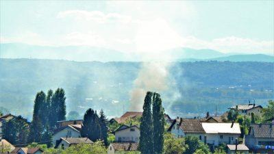 Dim s diže i u utorak poslijepodne (foto TRIS/G. Šimac)