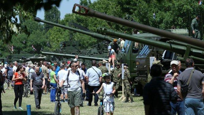 26-ti rođendan Oružanih snaga RH: Smotra oružja i vojne tehnike, a Željka Glasnovića ni za lijek!        !