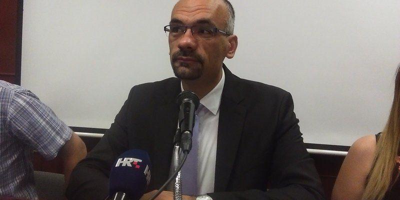 Marko Jelić na konferenciji za novinare (Foto: Radio Knin)