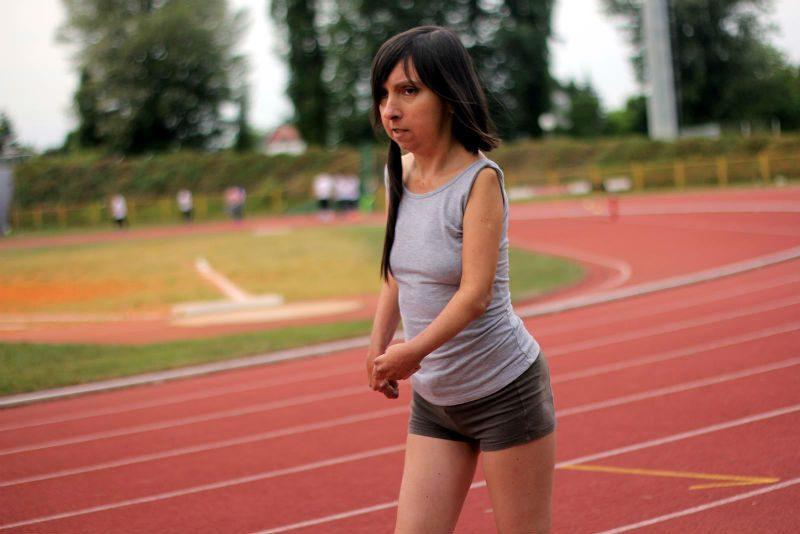 Vesna Mačković u spotu 'Kikiriki'