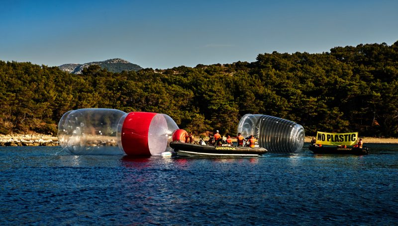 Jadranski otoci guše se u plastici