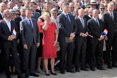 Predsjednici je na kninskoj tvrđavi bilo vruće, pa nije išla na misu (Foto: Tris/H. Pavić)