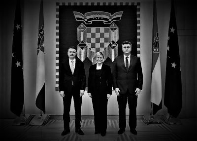 Troje u stavu mirno (foto: predsjednica.hr)