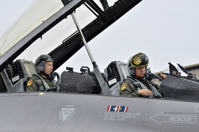 Leteći Damir - foto: Minnesota National Guard photo by Master Sgt. Blair Heusdens