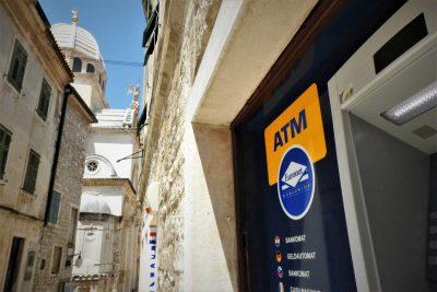 Bankomat sv. Jakova? (foto TRIS/G. Šimac)