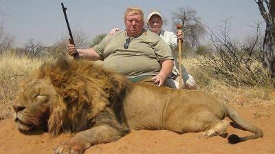 Ilustracija: Lovac ubio lava (foto Facebook)