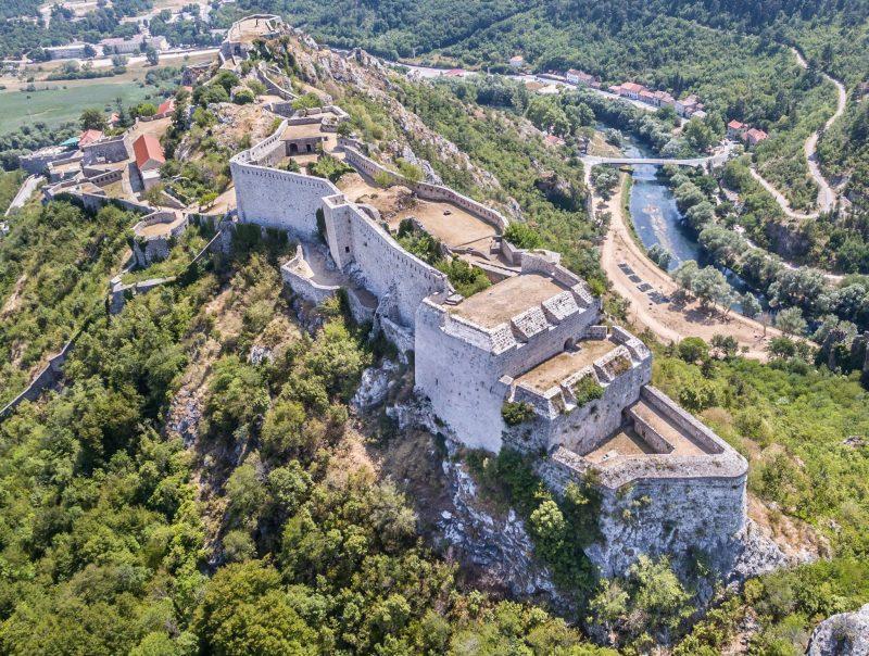 Kninska tvrđava... Foto: Ekološka udruga Krka