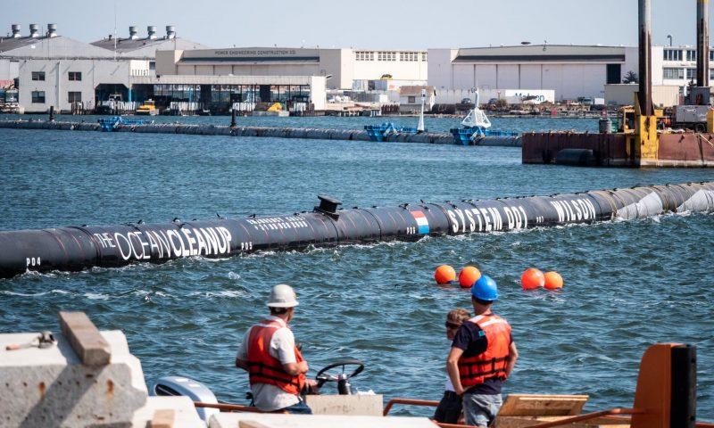 """Čištač """"Wilson"""" vraćen u luku: Čišćenje oceana od plastike, za sada, na čekanju"""