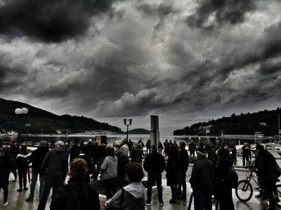 Danas u Veloj Luci, prosvjednici pod oblačnim nebom