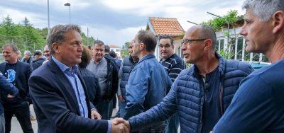 Sto nijansi plave: Zadarski hadezeovci međusobno čestitaju sami sebi odjeveni pretežito u plavu, inače službenu boju HDZ-a (foto HDZ)