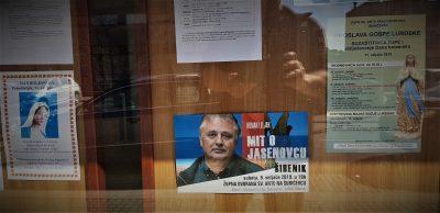 Plakat u crkvi (foto TRIS/G. Šimac)