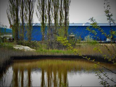 Crna 'laguna' i plava tvornica (foto TRIS/G. Šimac)