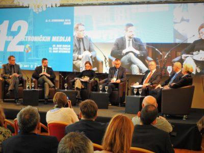 Panelisti - foto TRIS