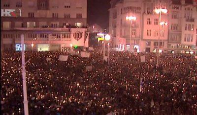 120 tisuća ljudi na prosvjedu protiv gašenja Radija101 koji se održao 1996. godine Foto: screenshot HRT