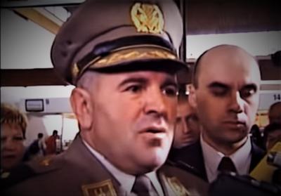 Rahim Ademi u trenutku kada sa zagrebačkog aerodroma dragovoljno odlazi na Haaški sud (foto printscreen youtube)