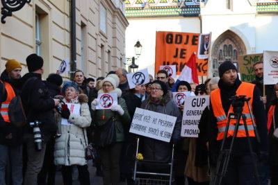 Prosvjed ispred zagrebačke Skupštine: HDZ je kukavički nastavio igrati Bandićevu igru