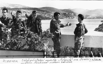 OSLOBODITELJI ŠIBENSKOG MOSTA NA TERASI MOTELA PANORAMA NAKON POBJEDEFOTO:JOSKO CELAR  1991.