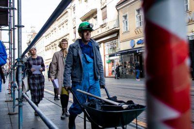 Čađavi performans usred Zagreba: Vlada RH mora konačno odustati od ugljena!