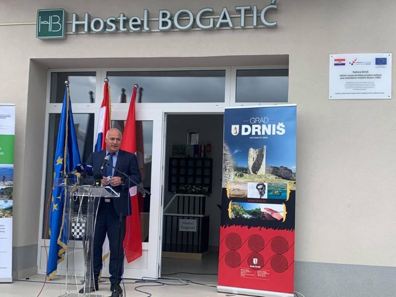 Otvoren hostel u Bogatićima Miljevačkim u sklopu projekta Natura 2000: Održiva prirodna baština i neodrživo spaljivanje otpada…