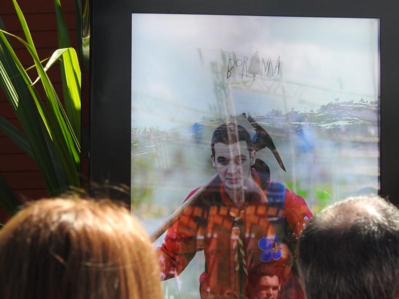 Displej s učesnikom Boranke koji nosi kramp(foto TRIS/G. Šimac)