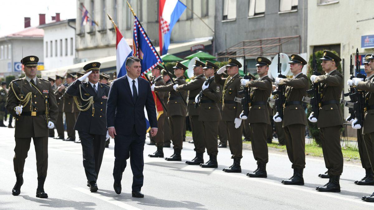 Predsjednik Milanović u Okučanima o VRO Bljesak: To je bilo malo dobrih i malo hrabrih ljudi koji se ovdje borio, a mi ostali smo bili na Zrinjevcu, u Ženevi, kadrovskim službama…