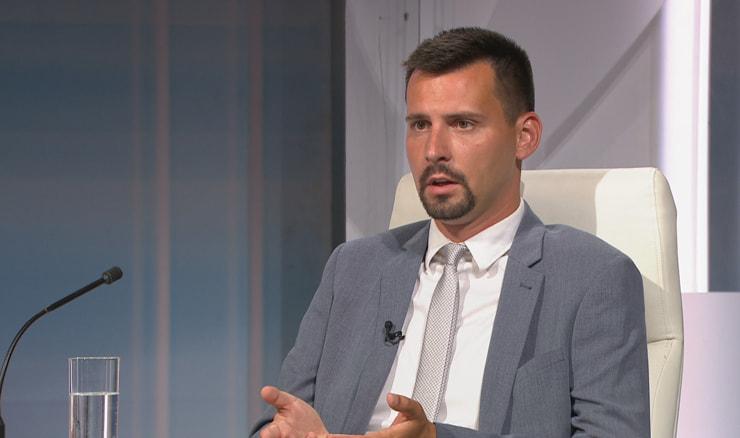 """Bojan Ivošević u HRT-ovoj emisiji Nedjeljom u 2: Doživio sam da me nazove član zločinačke organizacije i """"preporuči"""" da se više ne bavim """"aktivizmom""""…"""