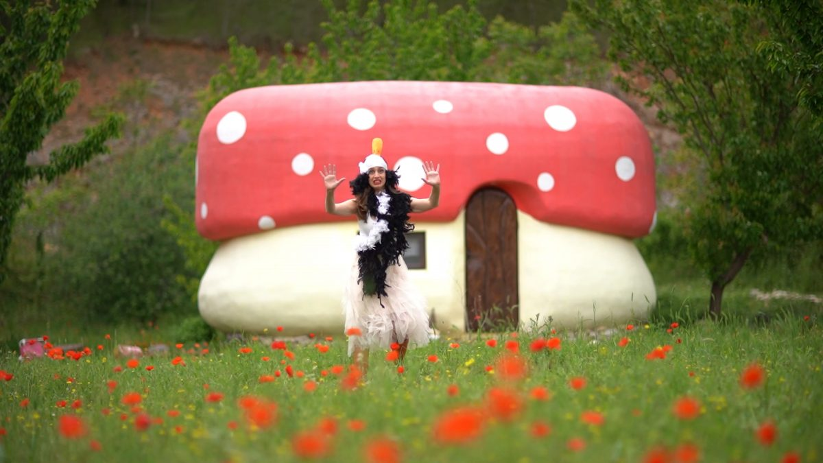Kate koju znate, sutra premijerno u Kninu: Ružno pače u šetnji Nacionalnim parkom Krka…