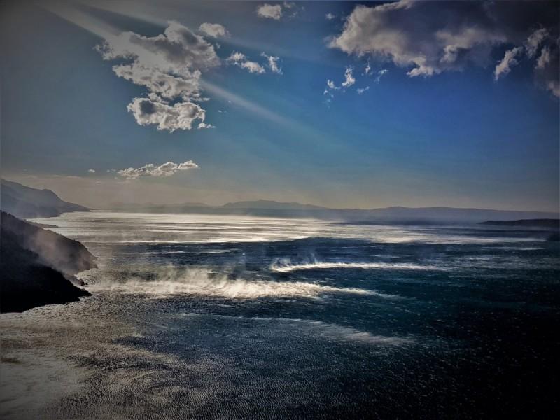 Pogled na Vruju za vrijeme zimske buretine (foto: Tris/G. Šimac)