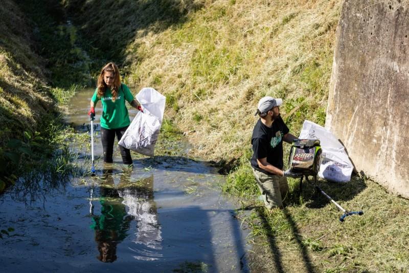 Greenpeace, Čisteći medvjedići i Spasimo potok Črnomerec iz zagrebačkih potoka izvadili osamdeset vreća smeća