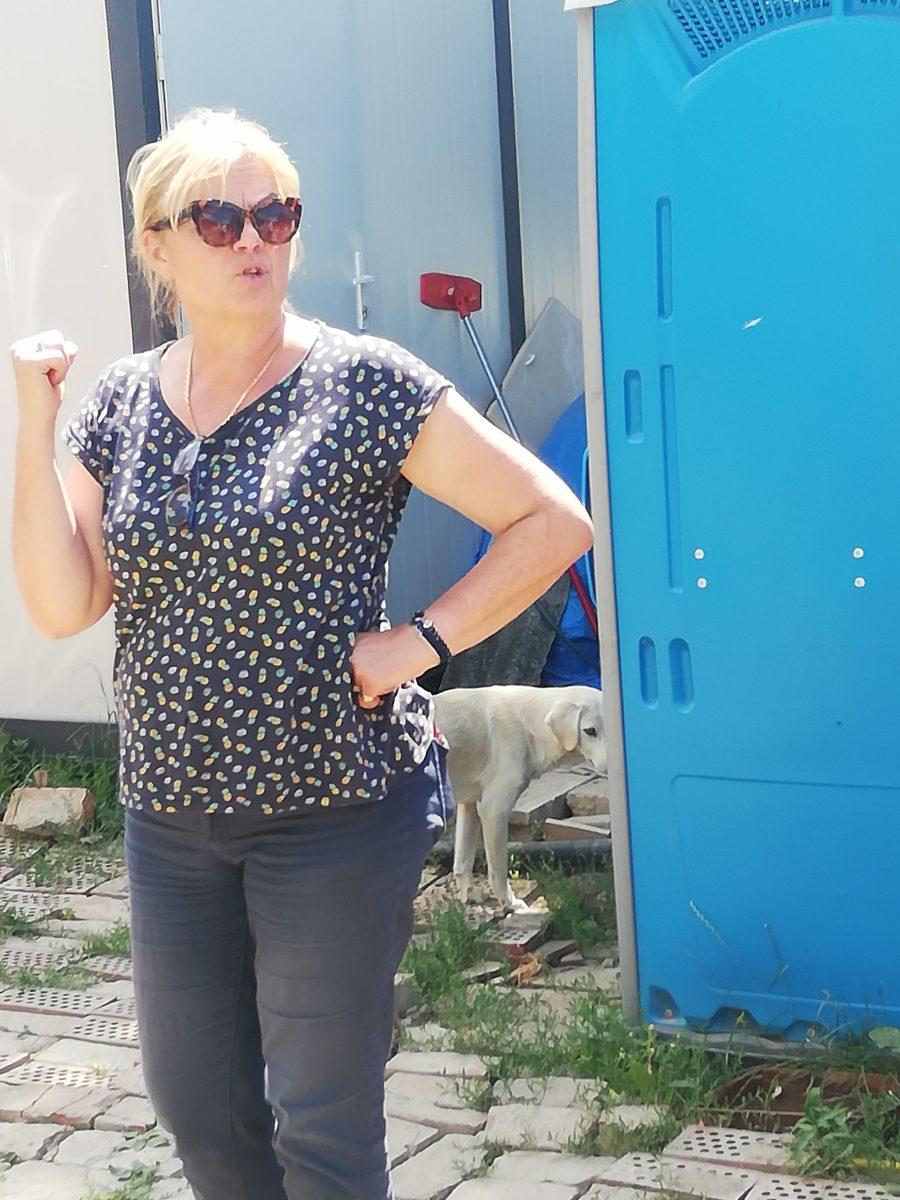 Nasuprot ministru Medvedu koji govori o 400 obnovljenih kuća na Baniji, Branka Bakšić Mitić tvrdi: Na području Gline država nije obnovila nijednu obiteljsku kuću!