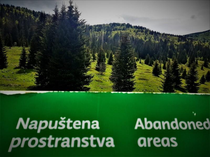 Prigodni natpis u Gorskom kotaru (foto TRIS/G. Šimac)