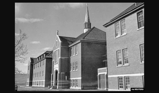 Katolička crkva se ispričala kanadskim starosjediocima zbog dugogodišnjeg zlostavljanja njihove djece u internatima