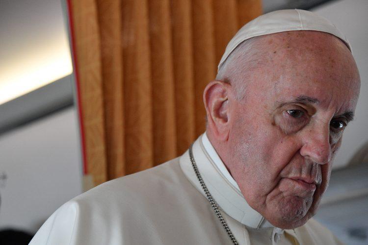 """Papina """"velika tuga"""" zbog pedofilskog skandala u Crkvi u Francuskoj: Preko tri tisuće pedofila svećenika, 330 tisuća žrtava zlostavljanja"""